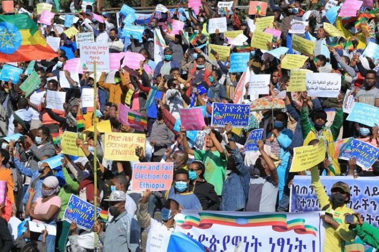 Ethiopians stage demonstration to protest U.S. intervention